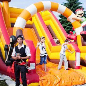 Zjeżdżalnia Pirat - Organizacja imprez tematycznych w plenerze