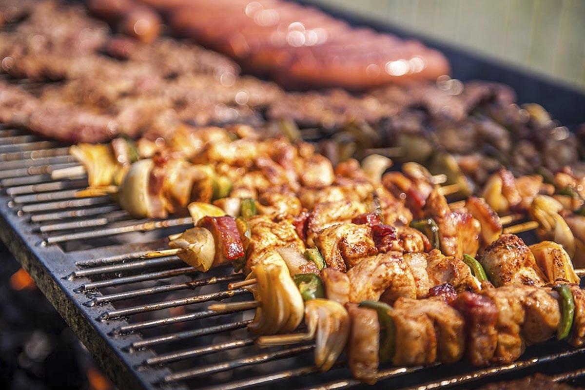 Szaszłyk grillowany - usługa cateringowa - organizacja imprez