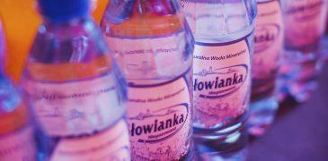 Woda mineralna , usługa cateringowa - organizacja imprez